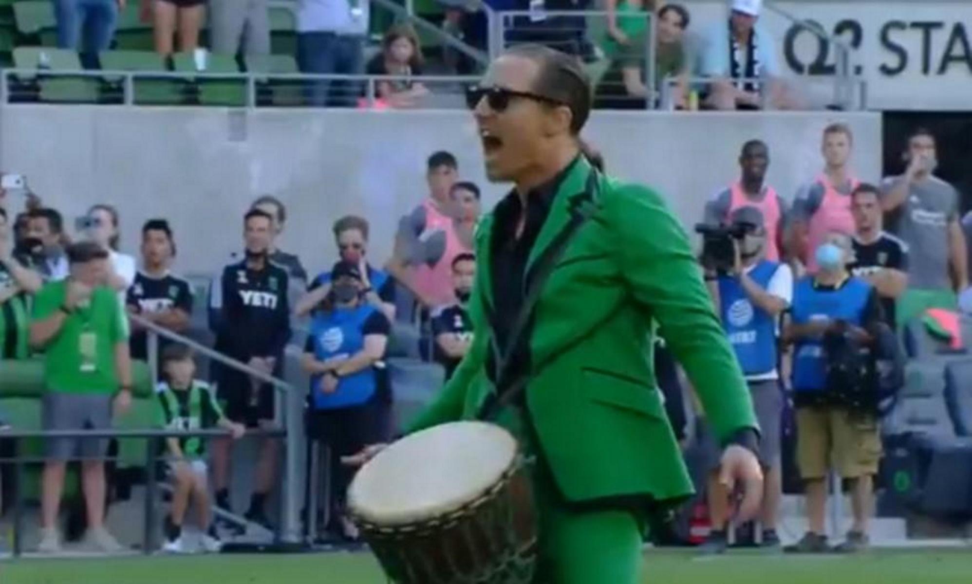 ΜακΚόναχι για Όσκαρ οργάνωσε με τύμπανο την κερκίδα του Όστιν σε ματς του MLS