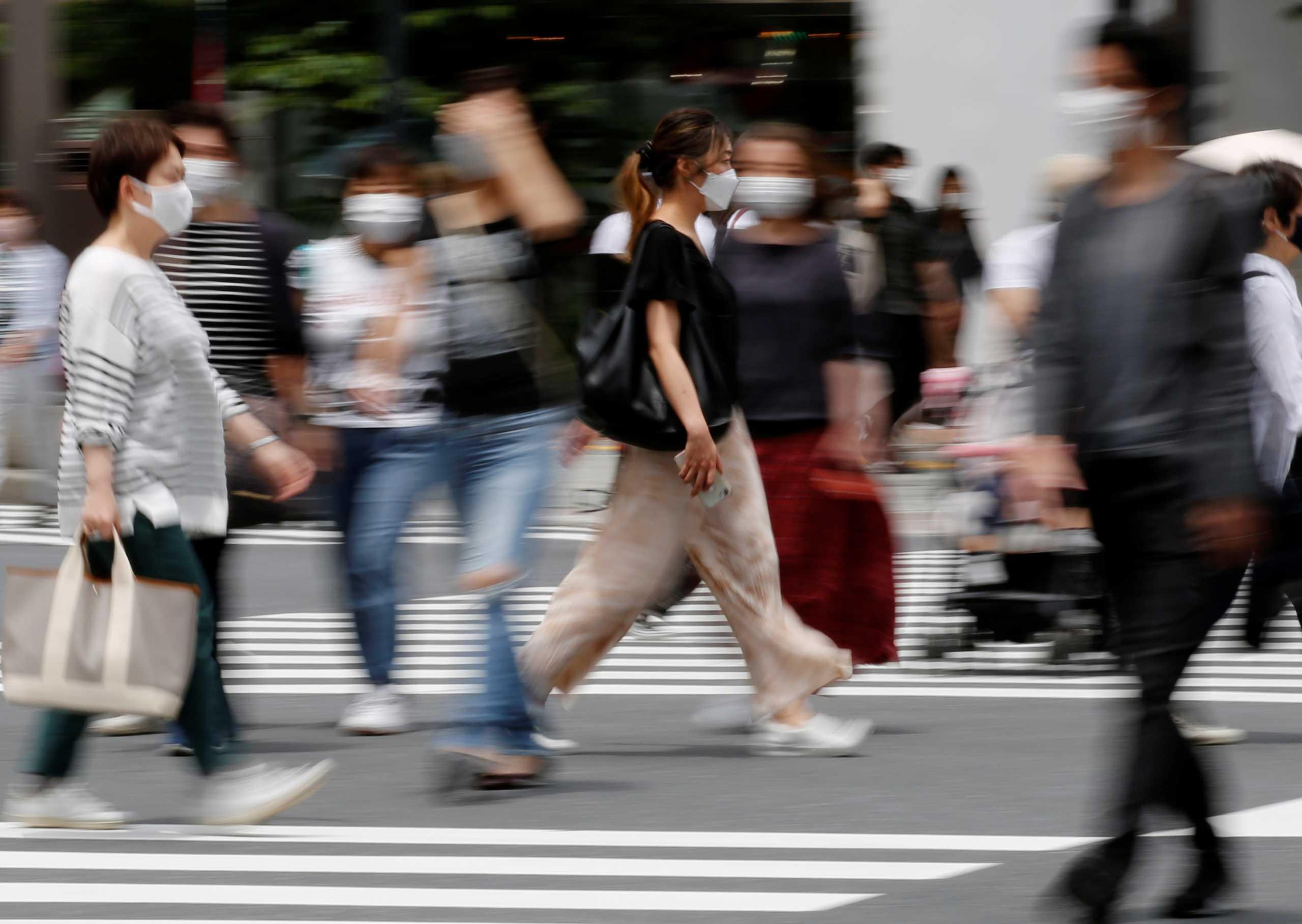 Ζαούτης: Γιατί δεν πρέπει να ανησυχούμε υπερβολικά για τις μεταλλάξεις του κορονοϊού
