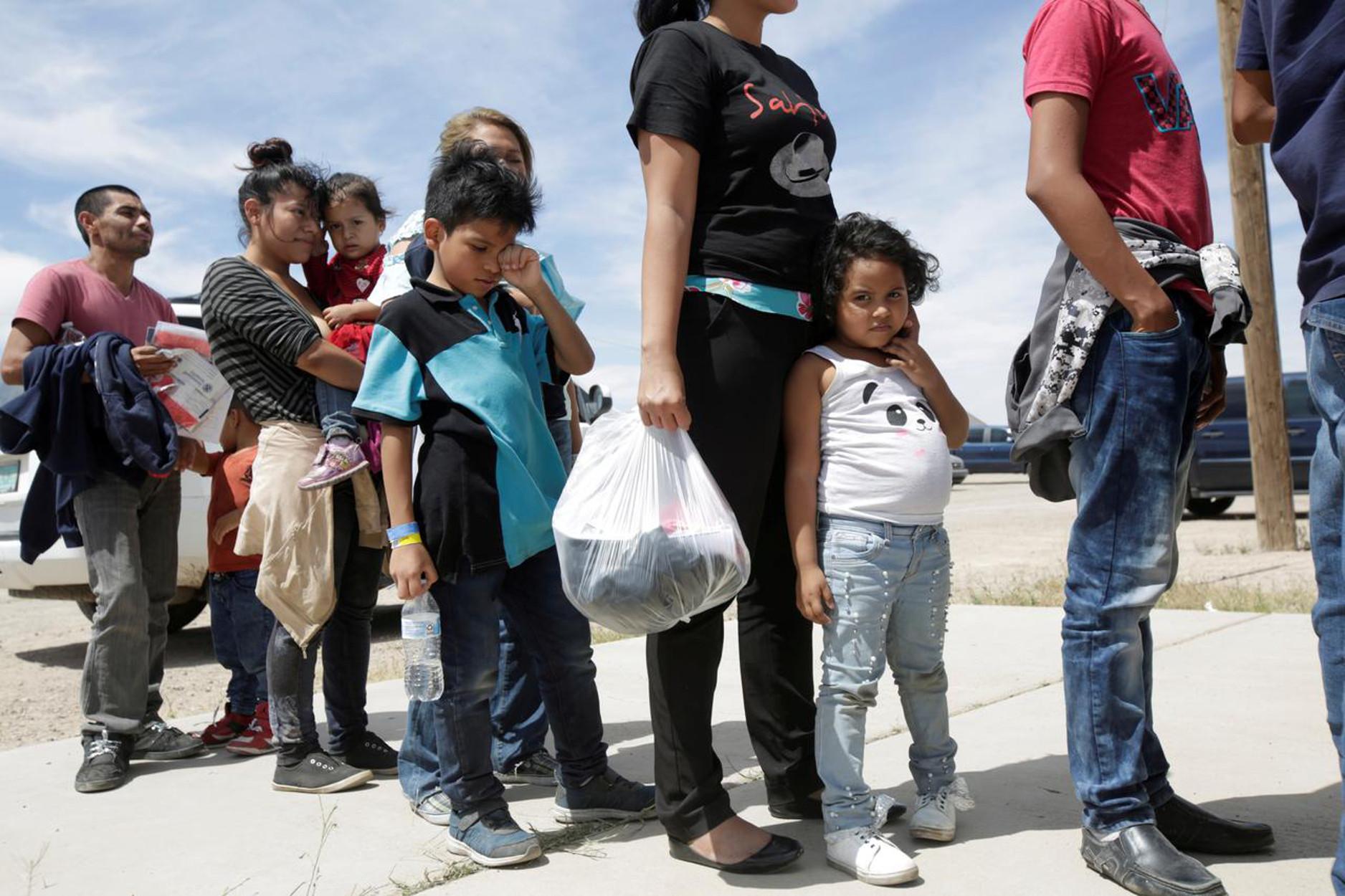 ΗΠΑ: Επίγεια κόλαση για τους ανηλίκους τα κέντρα μεταναστών