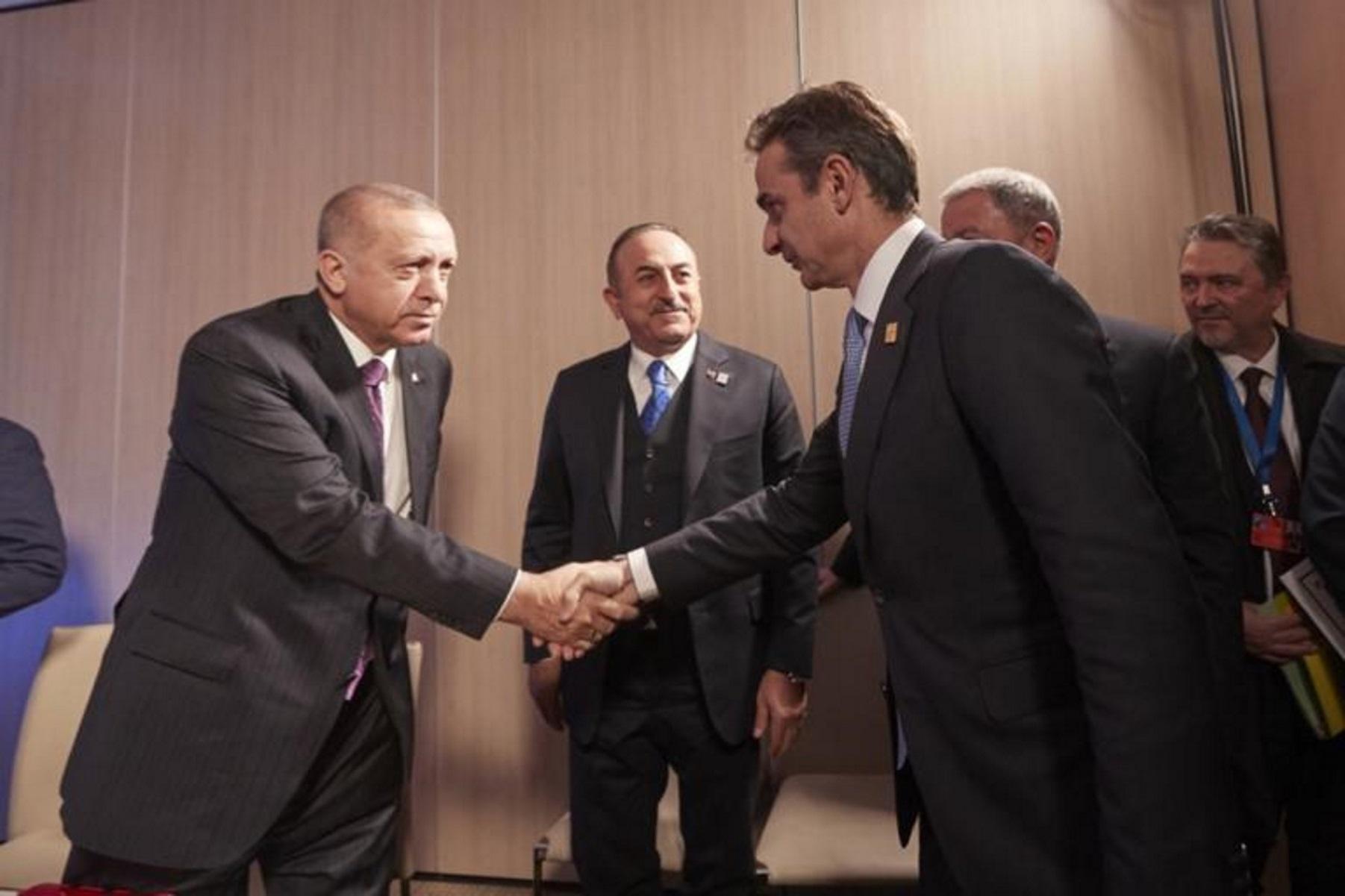 Μητσοτάκης – Ερντογάν: Τετ α τετ στο περιθώριο της συνόδου κορυφής του ΝΑΤΟ