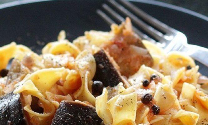 Μοναστηριακές χυλοπίτες με σάλτσα μελιτζάνας!