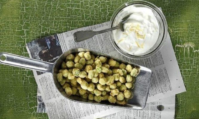 Η συνταγή του Άκη Πετρετζίκη για μπάμιες… ποπ κορν