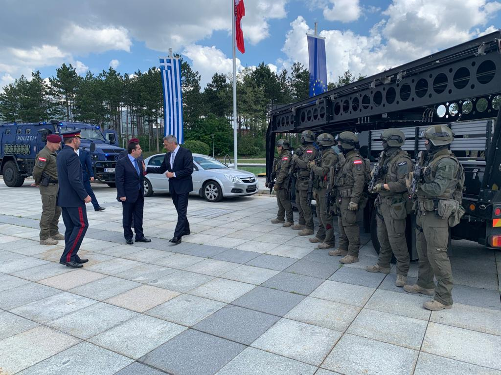 EKO Cobra: Η Ελλάδα τίμησε τους Αυστριακούς κομάντο για τη δράση τους πέρσι στον Έβρο