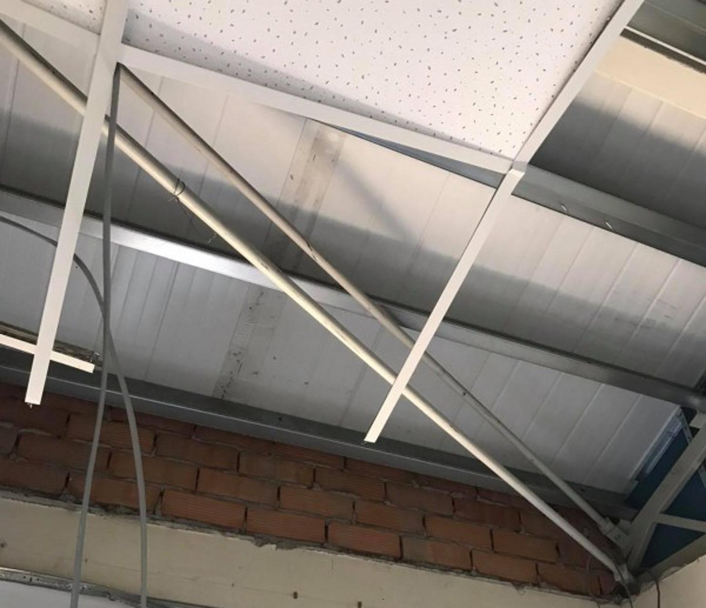 Λευκωσία: Ελικόπτερο πέρασε πάνω από νοσοκομείο και… κατέρρευσε η οροφή! (pics, video)