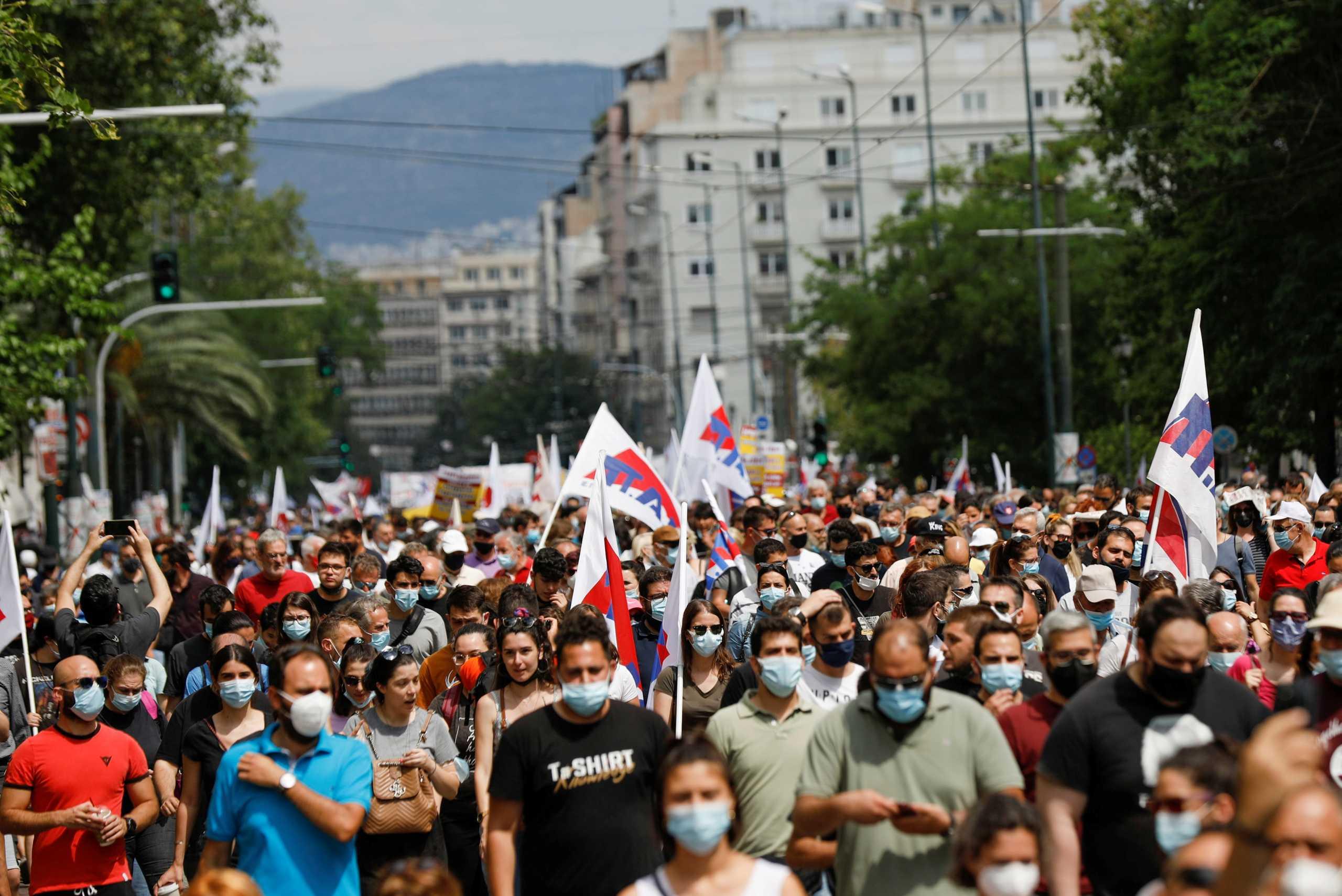 """Επικοινωνιακή αντεπίθεση για το εργασιακό νομοσχέδιο – Πως """"είδαν"""" στο Μαξίμου τις απεργιακές συγκεντρώσεις"""