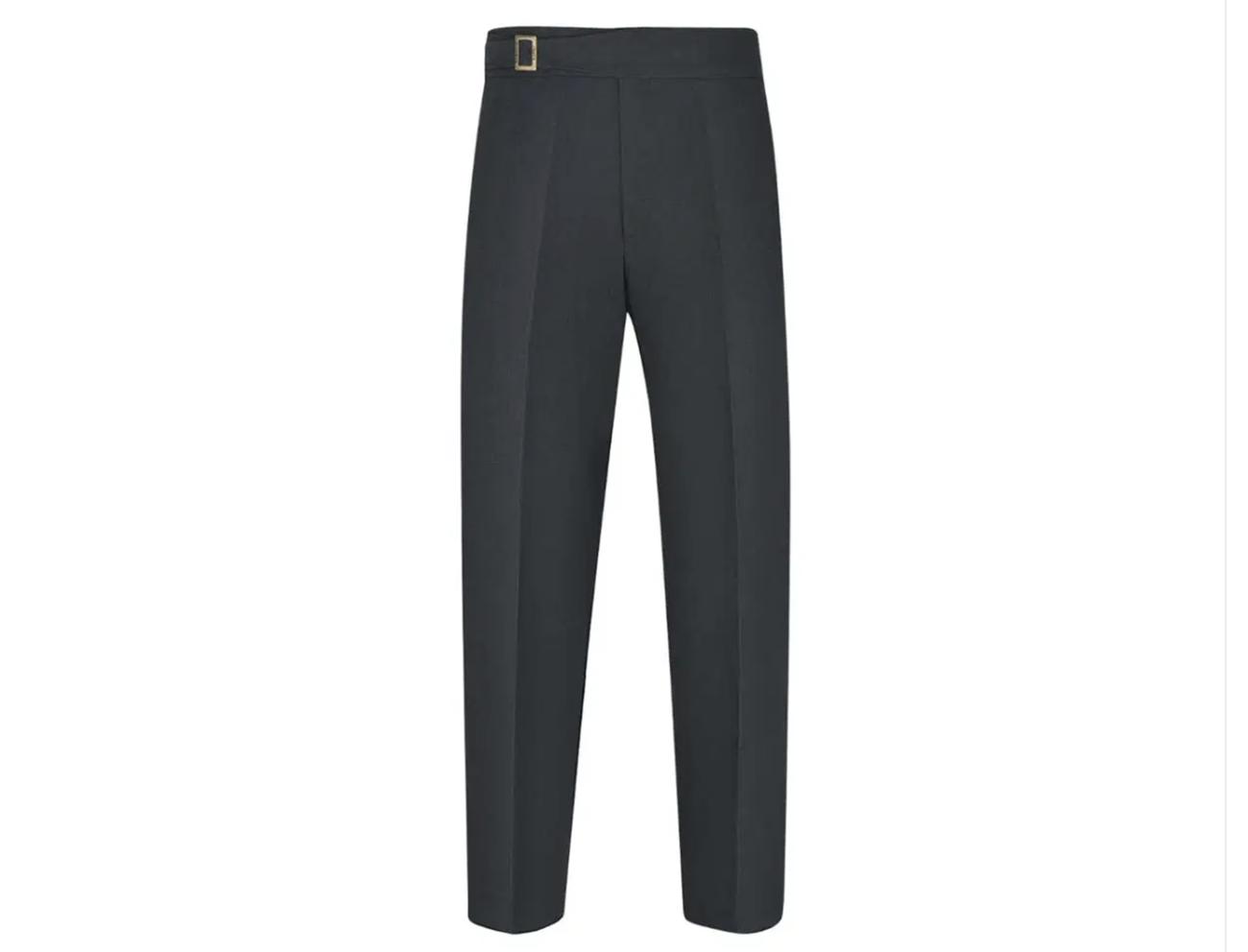 Αυτά είναι τα παντελόνια που μπορείς να φοράς στον καύσωνα