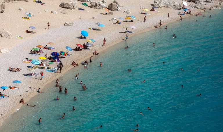 Οι ελληνικές θάλασσες και παραλίες είναι οι κορυφαίες στην Ευρώπη