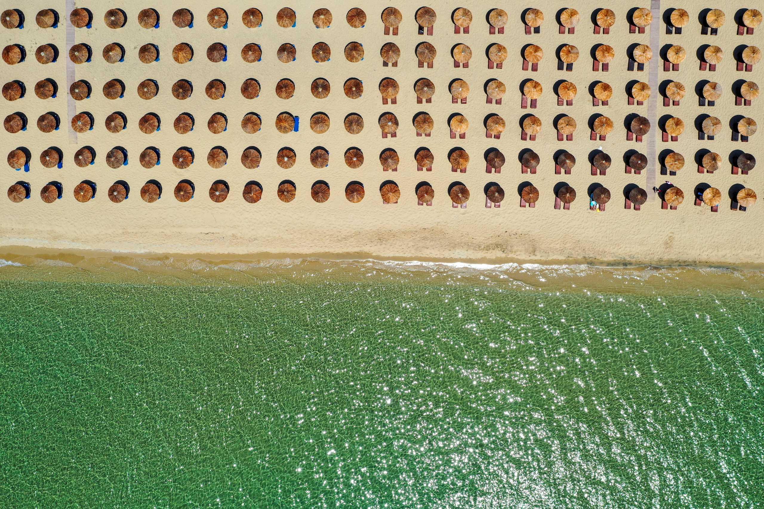 Ελληνικές παραλίες: Ο Μάγειρας της Ελλάδας με τα κρυστάλλινα νερά και την ψιλή άμμο