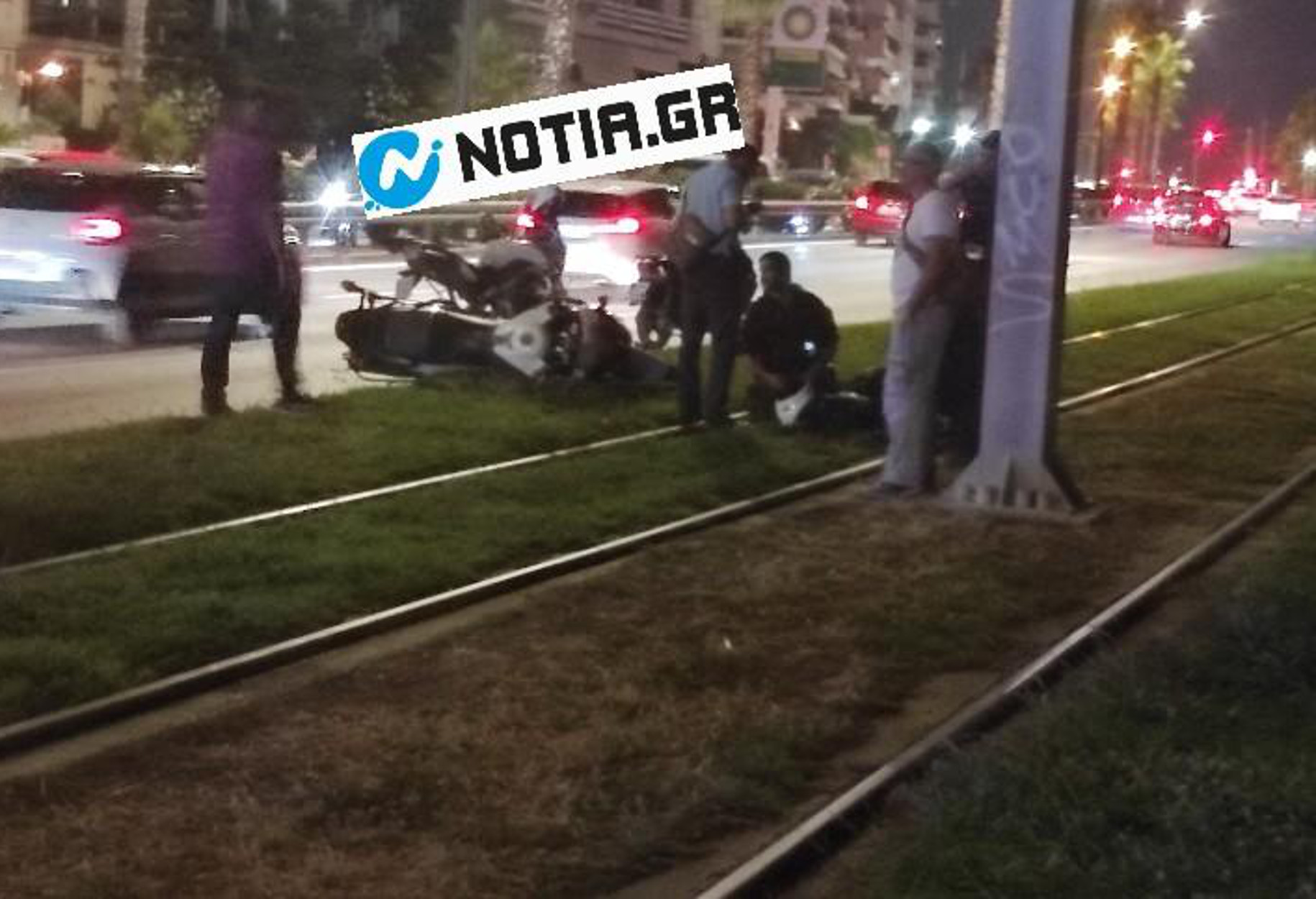 Παλαιό Φάληρο: Μηχανή της ομάδας ΔΙΑΣ παρέσυρε πεζή (pics)