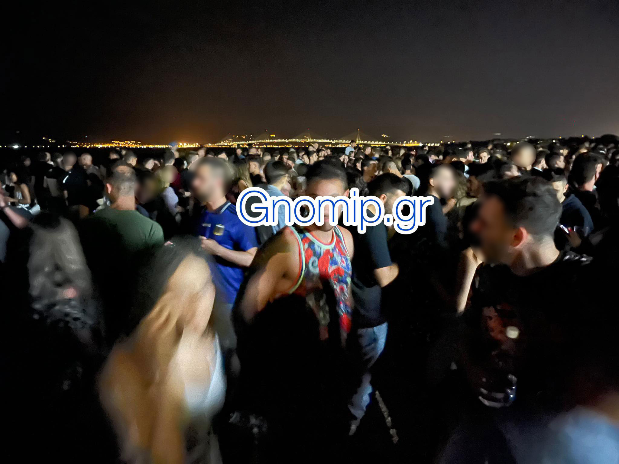 Απίστευτες εικόνες στην Πάτρα: Δυο κορονοπάρτι, με 2.000 «καλεσμένους», καντίνα, dj και… μποτιλιάρισμα (video)