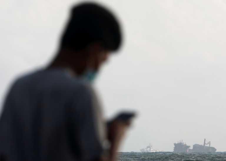 Κορονοϊός: Μια επαρχία στο Πακιστάν κόβει το τηλέφωνο σε όσους αρνούνται να εμβολιαστούν