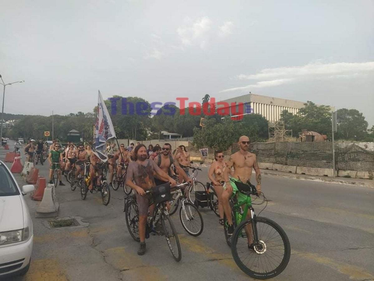 Ξεκίνησε η γυμνή ποδηλατοδρομία στη Θεσσαλονίκη – (video)