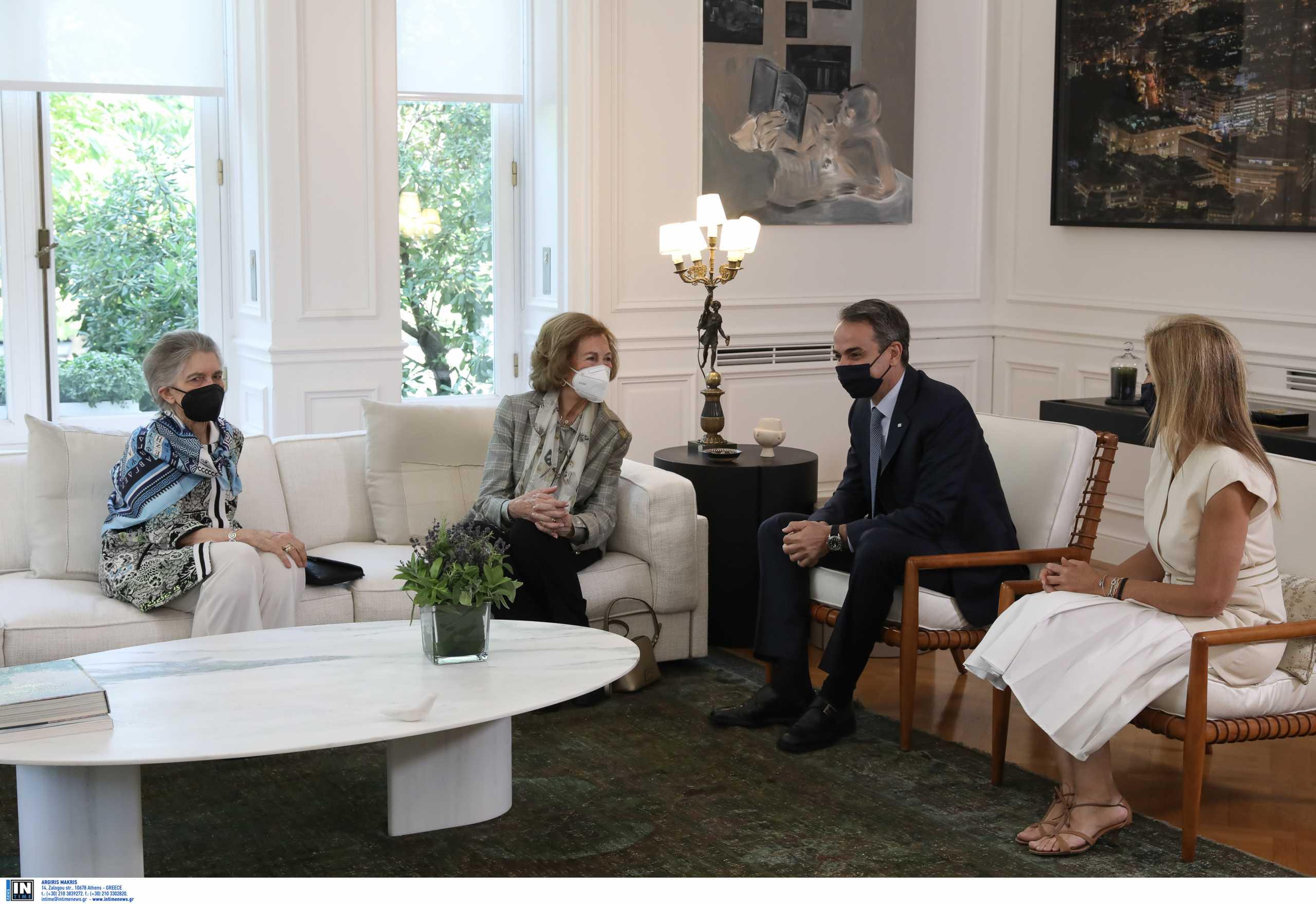Η Βασίλισσα Σοφία και ο Κυριάκος Μητσοτάκης συζήτησαν και για το Τατόι