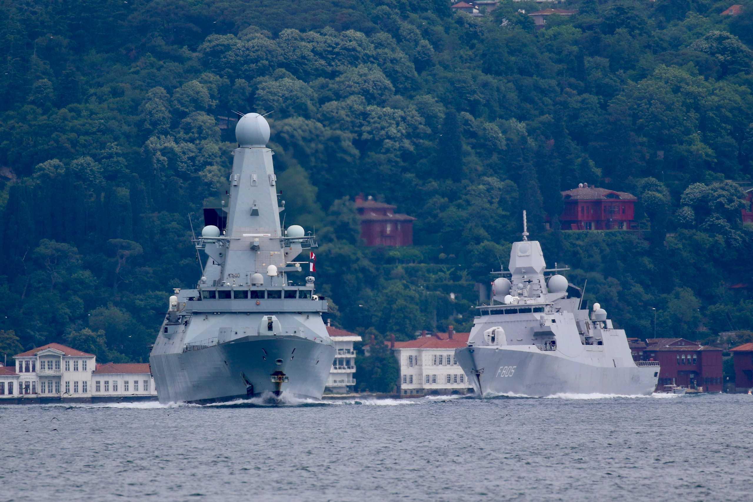 «Ναυμαχία» στη Μαύρη Θάλασσα: Προειδοποιητικά πυρά Ρωσικού πλοίου εναντίον Βρετανικού αντιτορπιλικού!