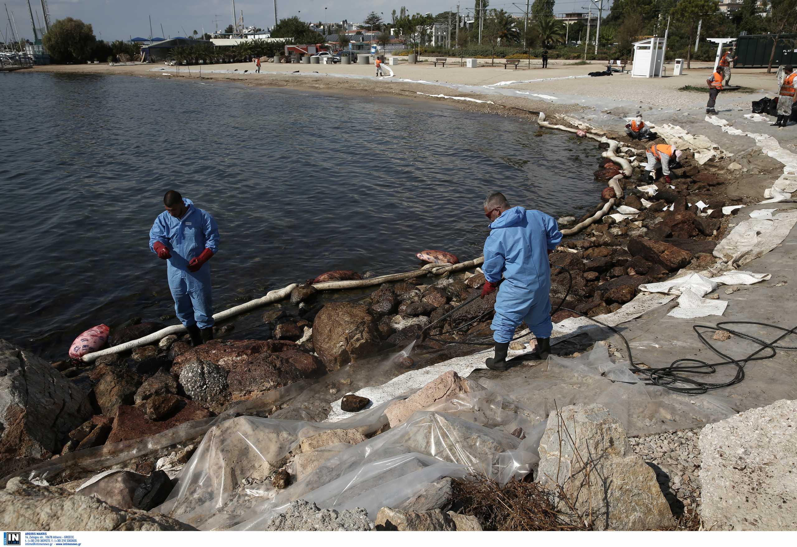 Ρύπανση στη θαλάσσια περιοχή της Γλυφάδας – Άμεση η αντιμετώπιση του προβλήματος