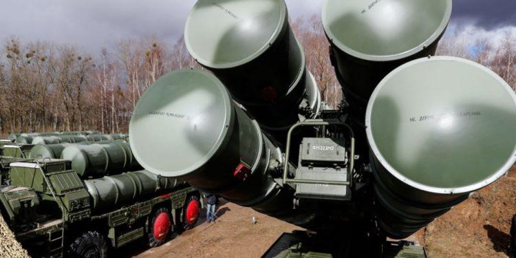 S-400 στην Τουρκία: Η Ρωσία «αδειάζει» Τσαβούσογλου για την «απέλαση» ειδικών