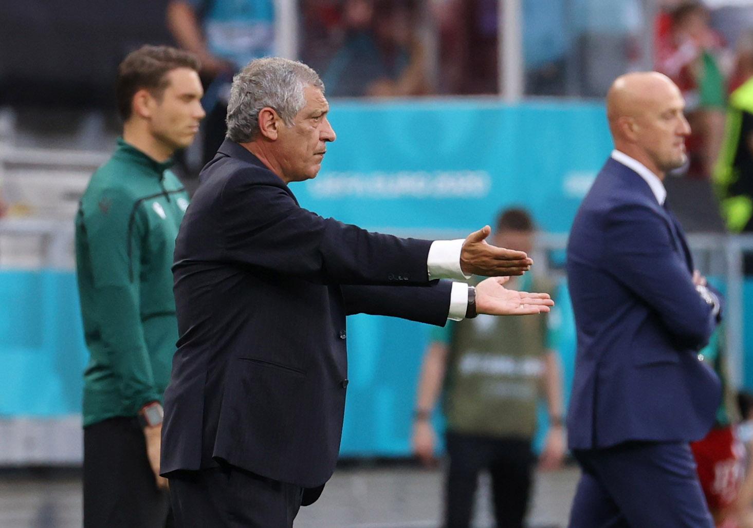 Euro 2020: Έξαλλος ο Φερνάντο Σάντος με ένα φάουλ στον Μπρούνο Φερνάντες