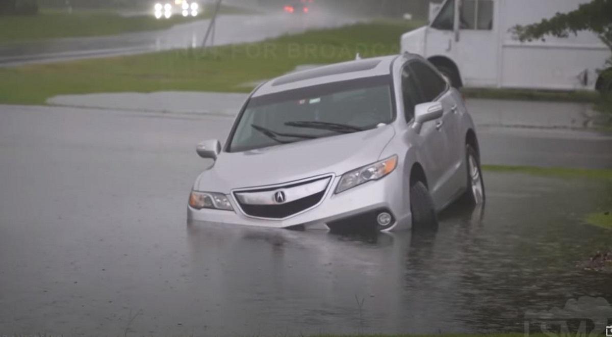 ΗΠΑ: Η τροπική καταιγίδα Ντάνι «χτυπά» τη Νότια Καρολίνα (vids)