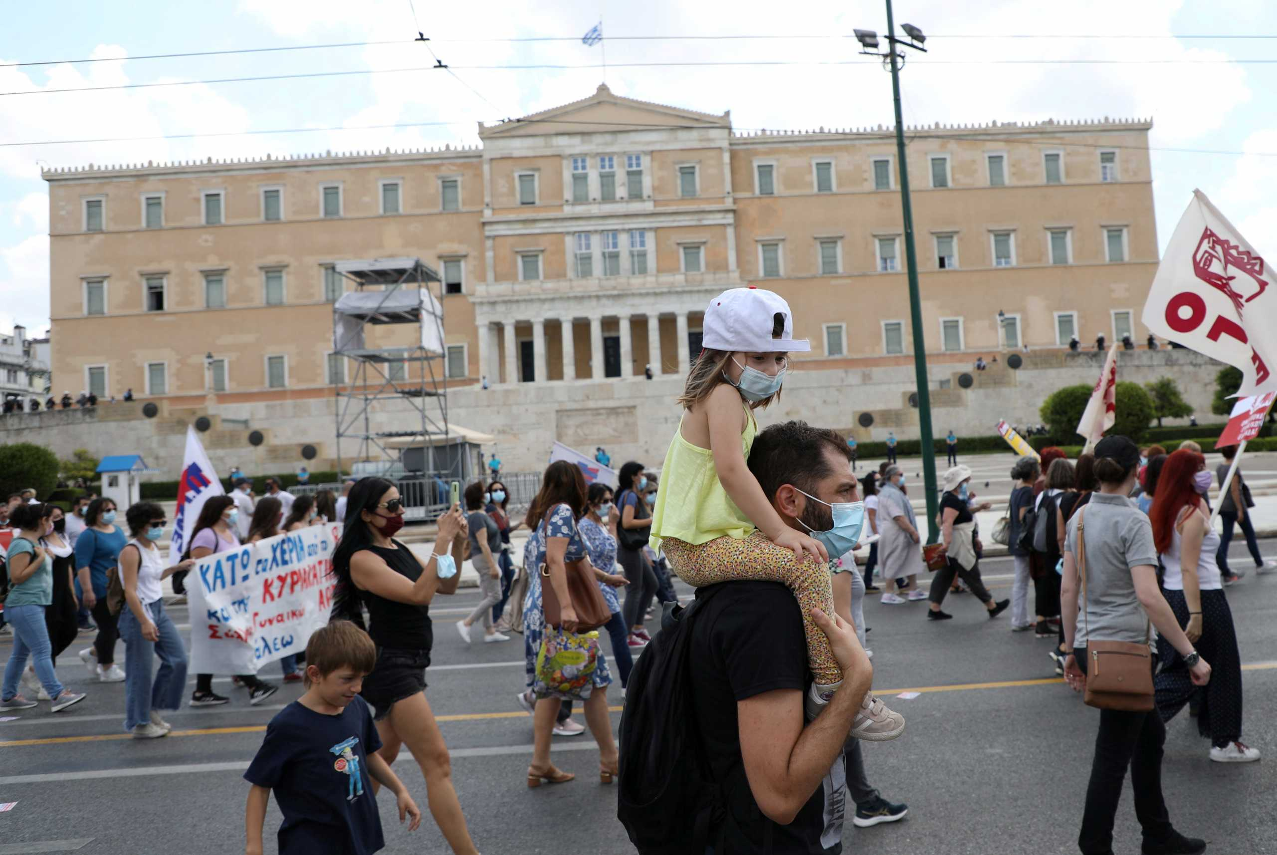 Απεργία: Συγκεντρώσεις για το εργασιακό νομοσχέδιο – Χιλιάδες στους δρόμους, κλειστό το κέντρο