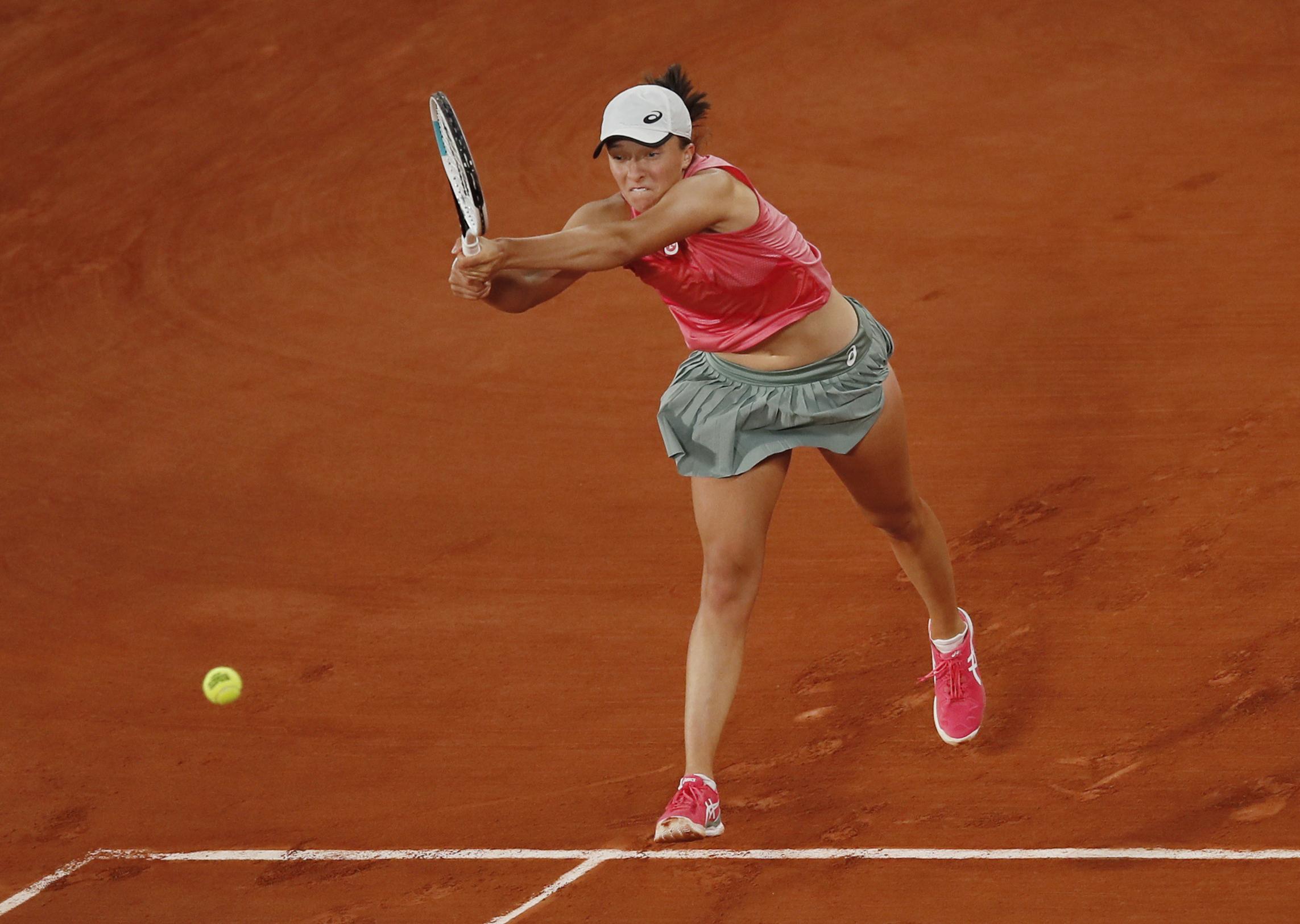 Με Σβιάτεκ η Μαρία Σάκκαρη στα προημιτελικά του Roland Garros
