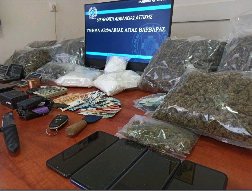 Εξαρθρώθηκε σπείρα ναρκωτικών στην Δυτική Αττική –  Με κωδικούς έκλειναν ραντεβού μέσω διαδικτύου (pics)