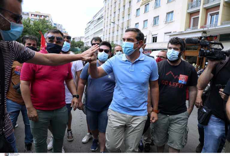 ΣΥΡΙΖΑ: «Ακονίζουν μαχαίρια» για το ασφαλιστικό των νέων