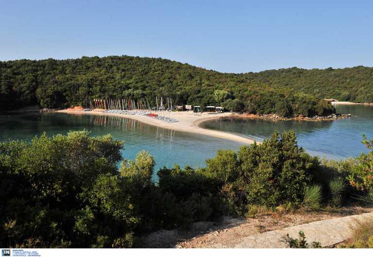 Μπέλα Βράκα: Μία από τις καλύτερες παραλίες στην Ελλάδα