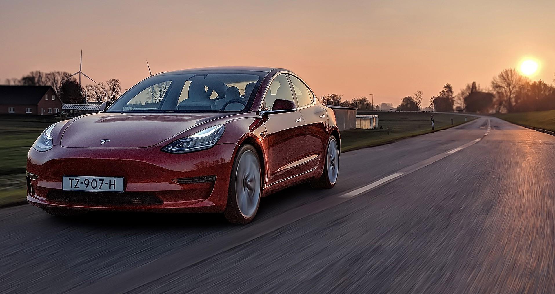 Και το βραβείο για την πιο ανούσια μετατροπή σε αυτοκίνητο της Tesla πάει… (pics)