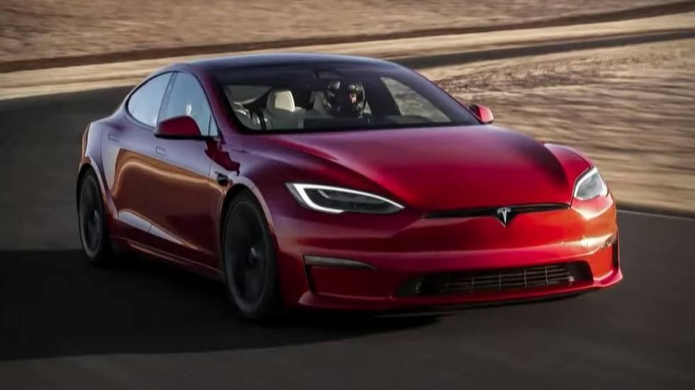 Πώς μαντεύουν τα αυτοκίνητα της Tesla που θέλει να πάει ο οδηγός; (video)