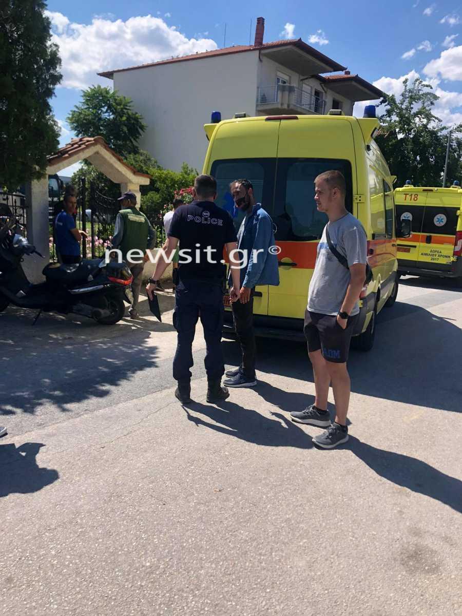 Θεσσαλονίκη: «Λύγισαν» οι πυροσβέστες όταν ανέσυραν νεκρό το 18 μηνών αγοράκι