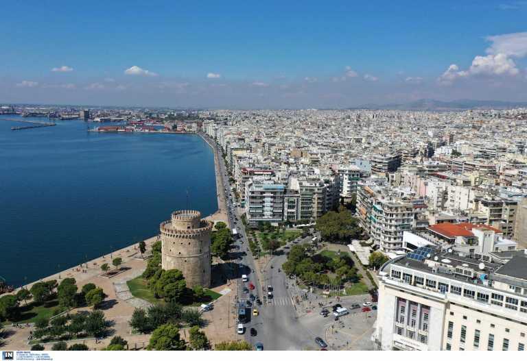 Θεσσαλονίκη: Μια ανάσα από το lockdown – Σχεδόν 11% αυξήθηκαν οι νοσηλείες στη Βόρεια Ελλάδα