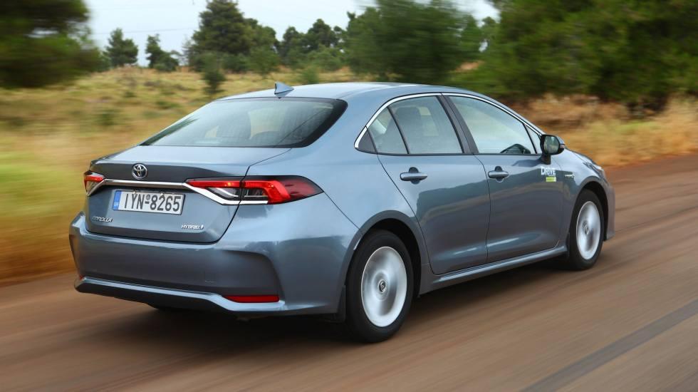 Η Toyota δεν θα εγκαταλείψει τα σεντάν αυτοκίνητα, παρόλο την επέλαση των SUV!