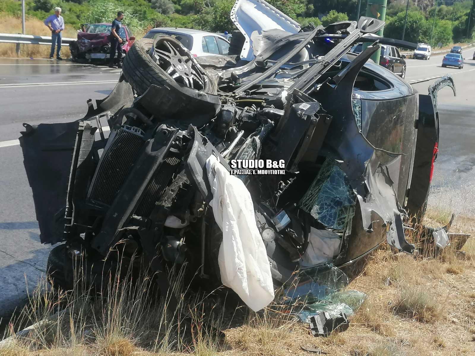 Αργολίδα: Σοκαριστικό τροχαίο με έναν νεκρό – Άμορφη μάζα τα αυτοκίνητα (pics)