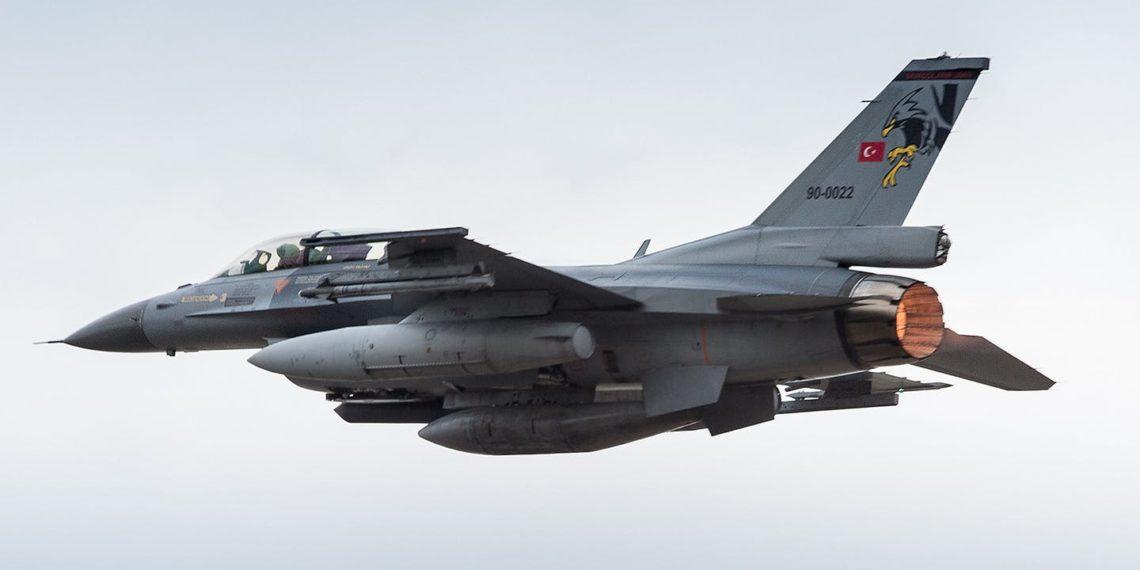 «Προκαλούν» τα τουρκικά αεροσκάφη με παραβιάσεις και εικονικές αερομαχίες στο Αιγαίο