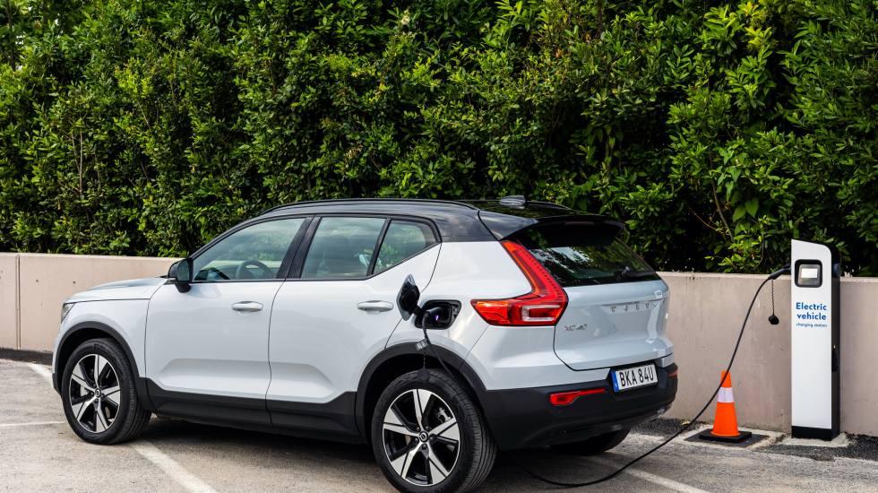 Volkswagen και Volvo οδηγούν την κούρσα του εξηλεκτρισμού της Ευρώπης