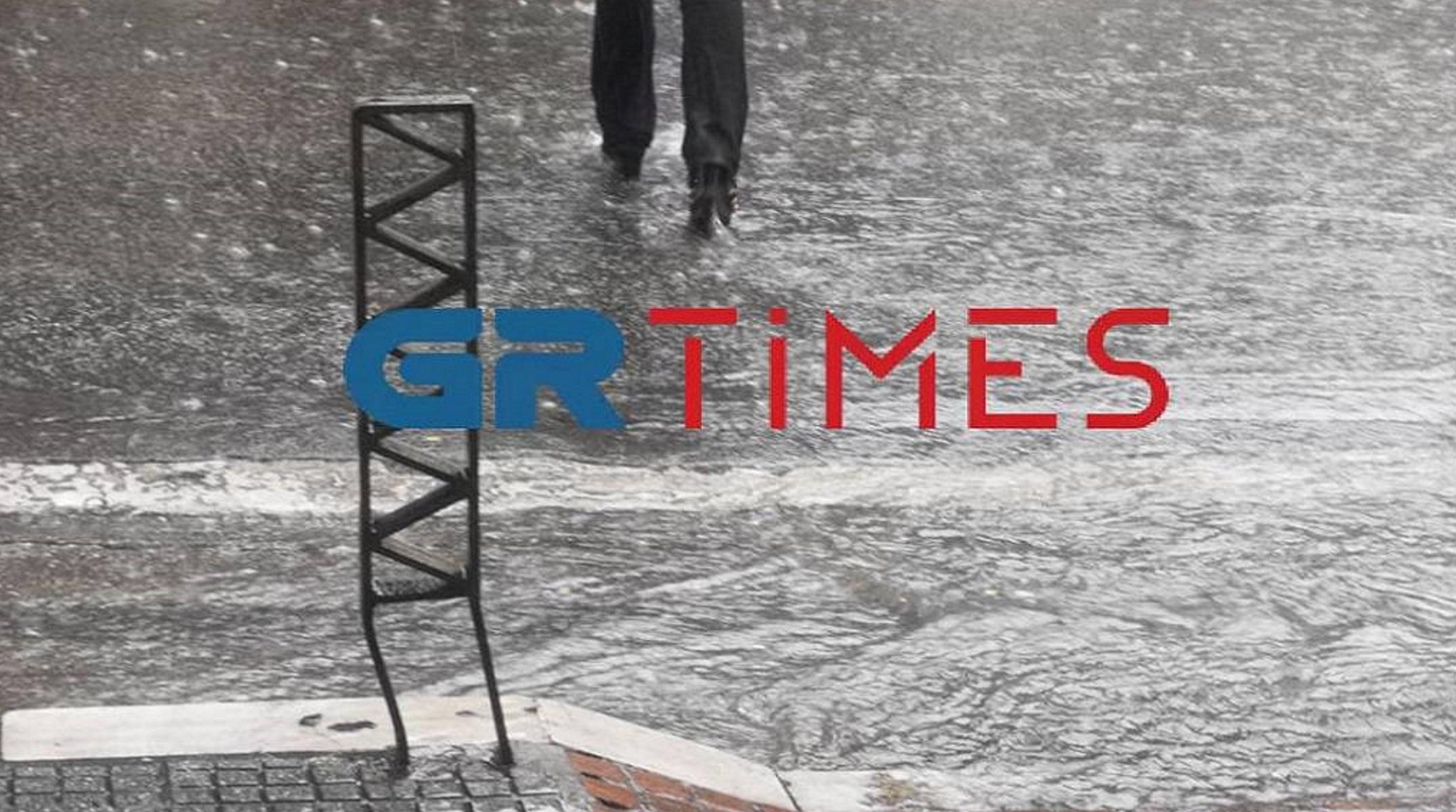 Καιρός – Θεσσαλονίκη: Άνοιξαν οι ουρανοί και πέφτουν αστραπές και χαλάζι (video)