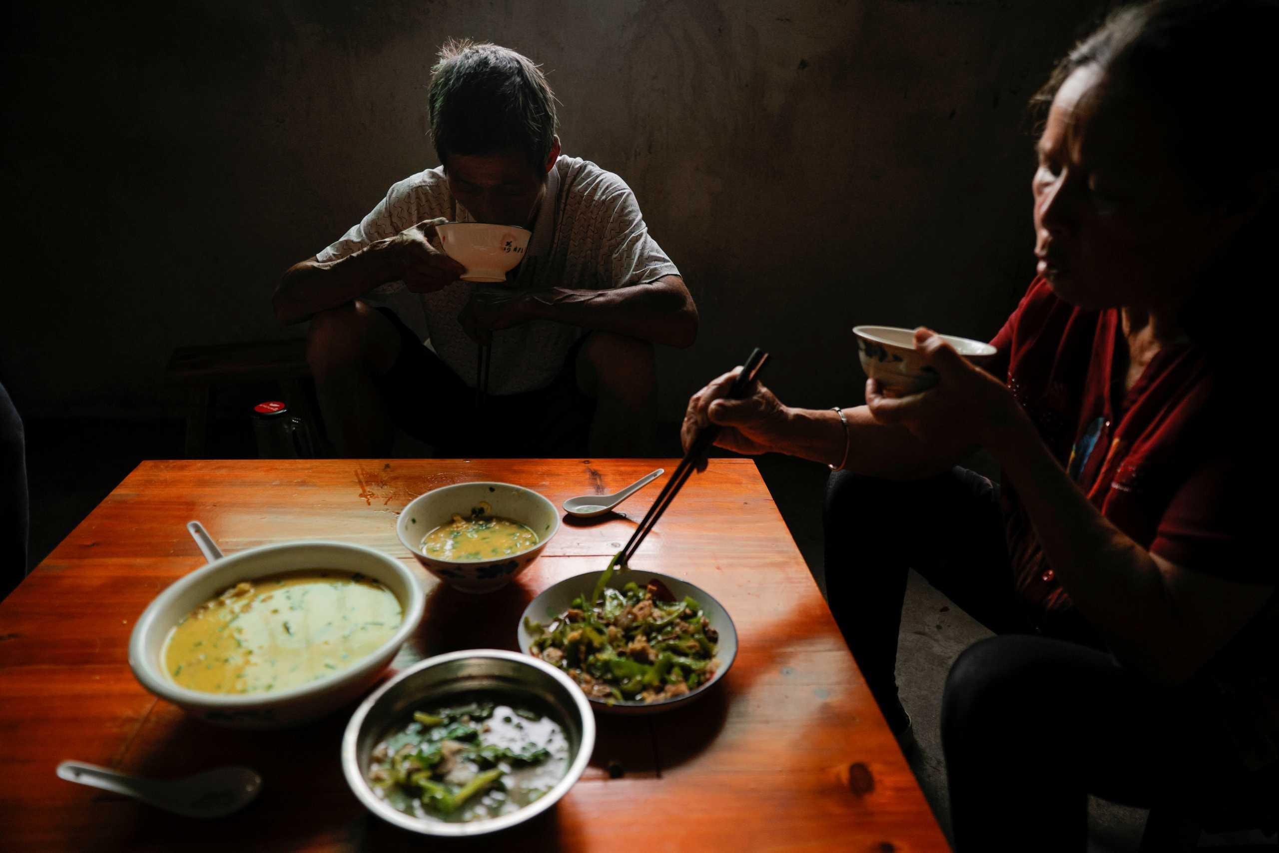ΠΟΥ: Ζητάει να ελεγχθούν κινέζικα εργαστήρια και αγορές ζώων για να εντοπιστεί η προέλευση του κορονοϊού