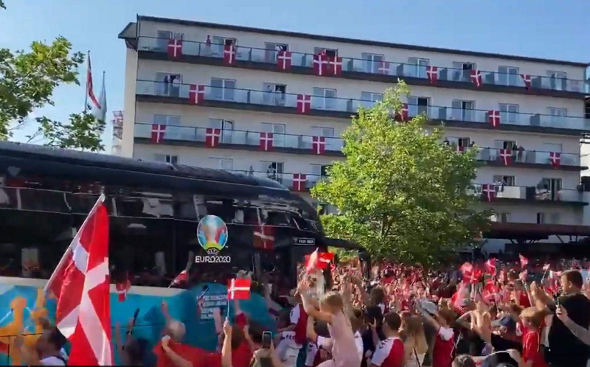 Euro 2020 – Δανία: «Αποθέωση» και σημαίες στα μπαλκόνια πριν τον ημιτελικό με Αγγλία