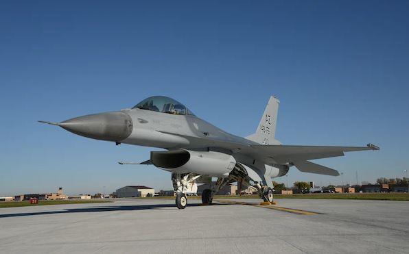 «Ρουά ματ» από την Ολλανδία: Γιατί πουλάει 12 μαχητικά F-16 σε ιδιωτική εταιρεία