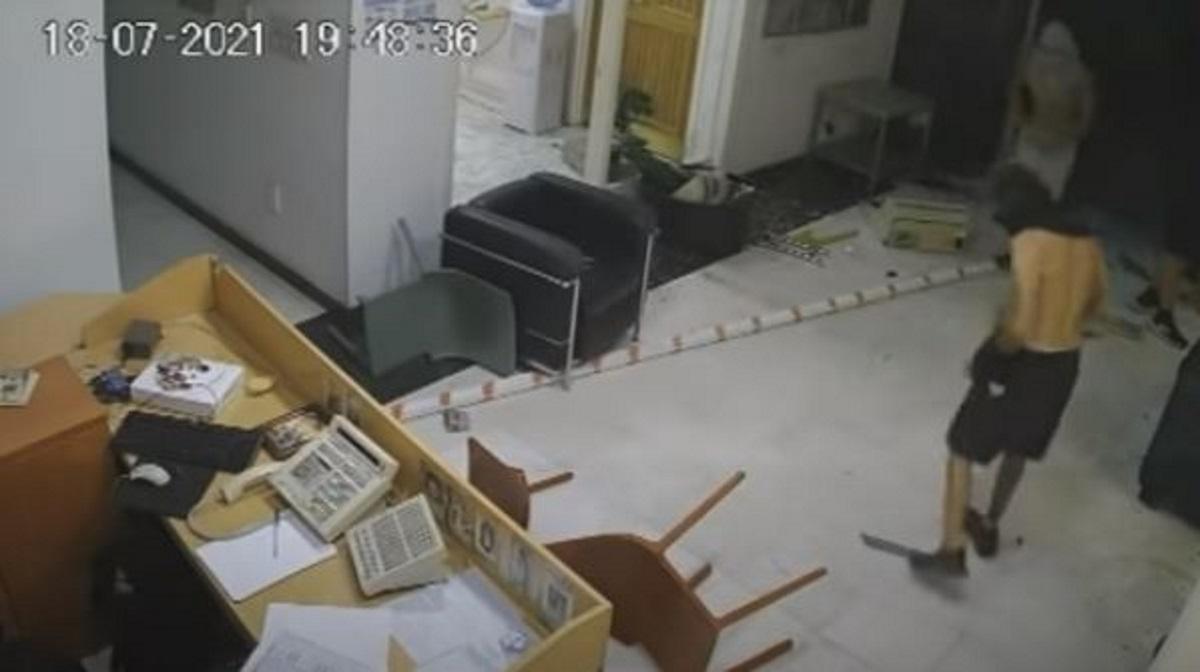Κύπρος: Βίντεο-ντοκουμέντο από την επίθεση κουκουλοφόρων στον τηλεοπτικό σταθμό ΣΙΓΜΑ