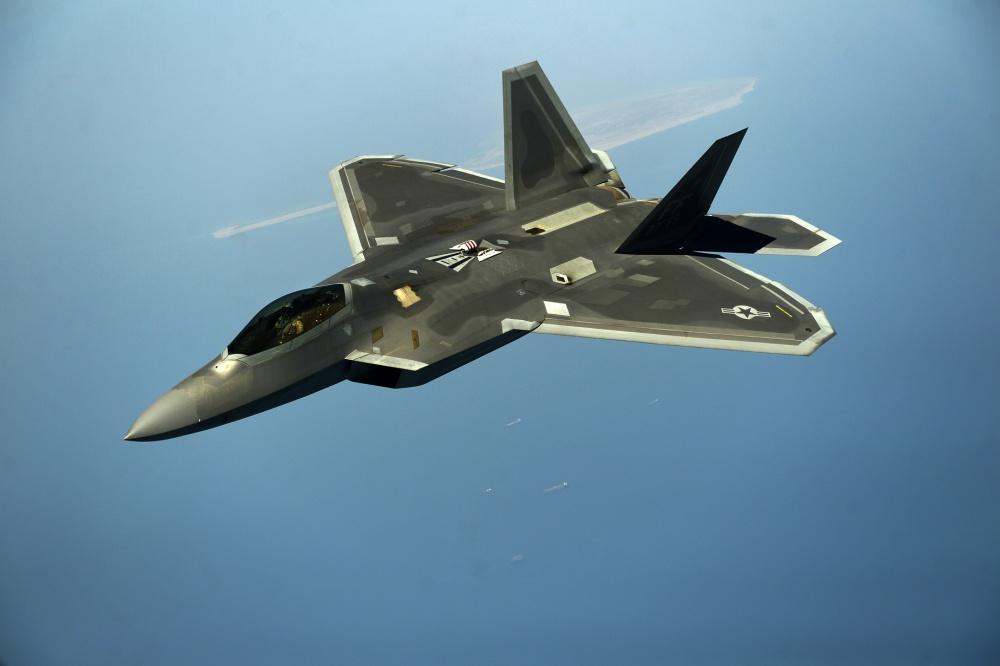 «Πρόβα πολέμου» με stealth μαχητικά F-22 στον Ειρηνικό και «μήνυμα» στην Κίνα
