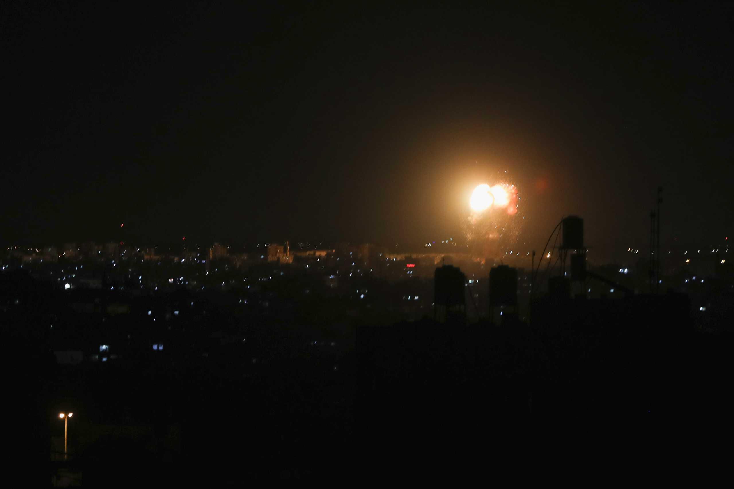 Γάζα: Αεροπορικές επιθέσεις του Ισραήλ σε αντίποινα για εμπρηστικά μπαλόνια