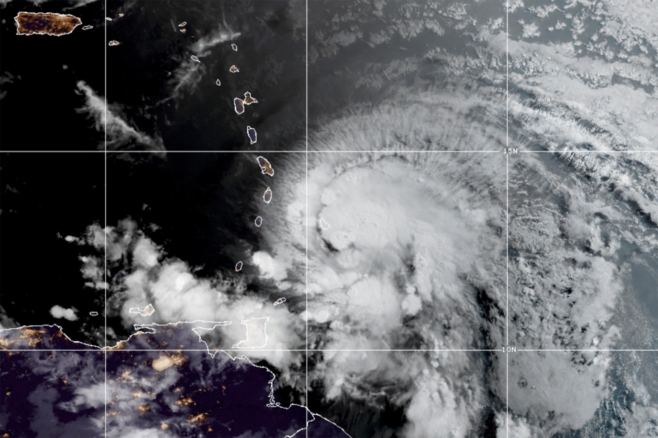 Ο κυκλώνας Έλσα απειλεί την Καραϊβική