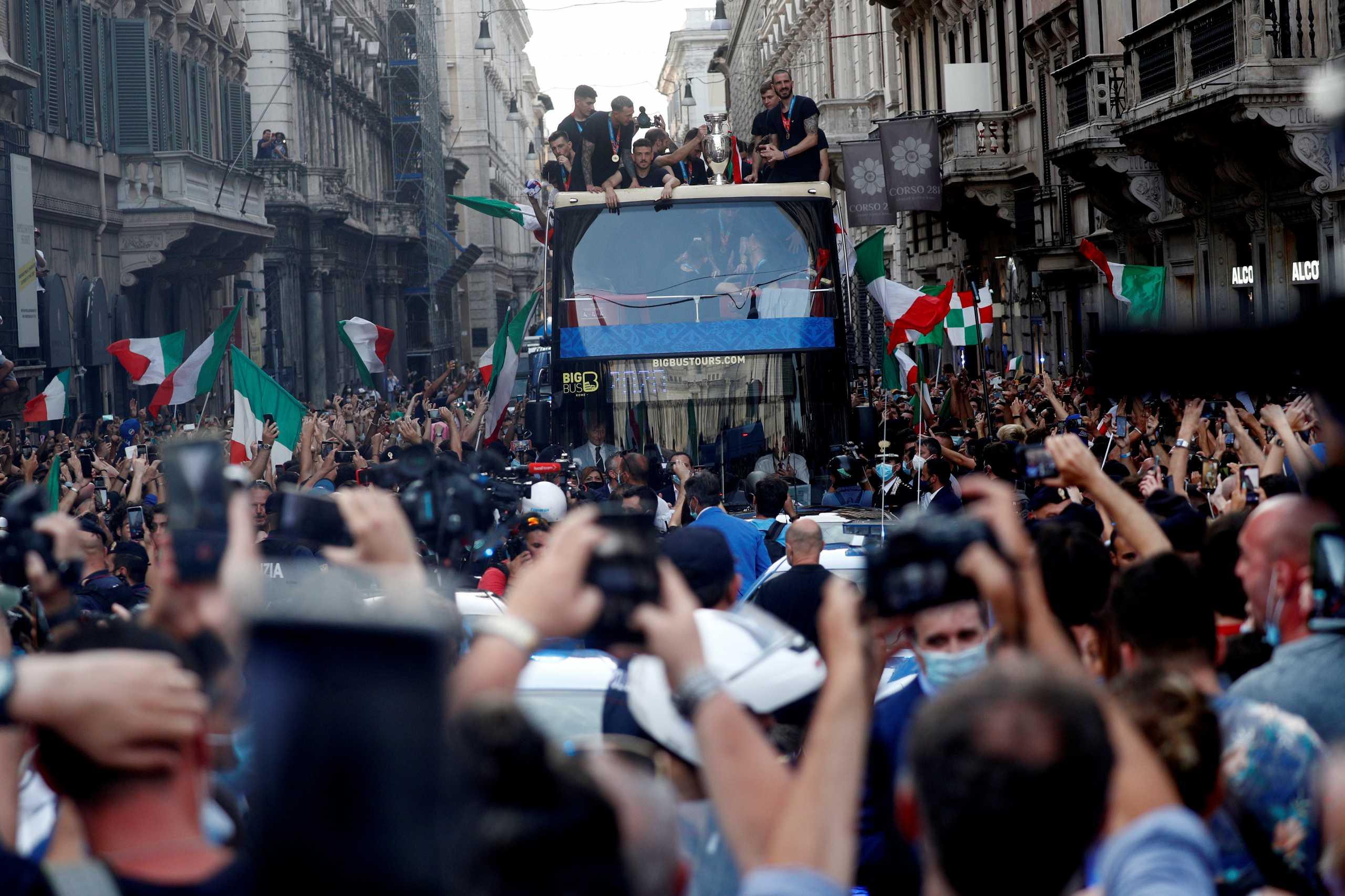 Οι πανηγυρισμοί για το Euro έφεραν «έκρηξη» κρουσμάτων στη Ρώμη