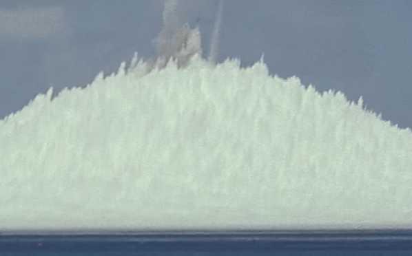 Σείστηκε η γη: Η τρομακτική υποβρύχια έκρηξη πυρηνικής βόμβας – Νέα αποκαλυπτικά πλάνα
