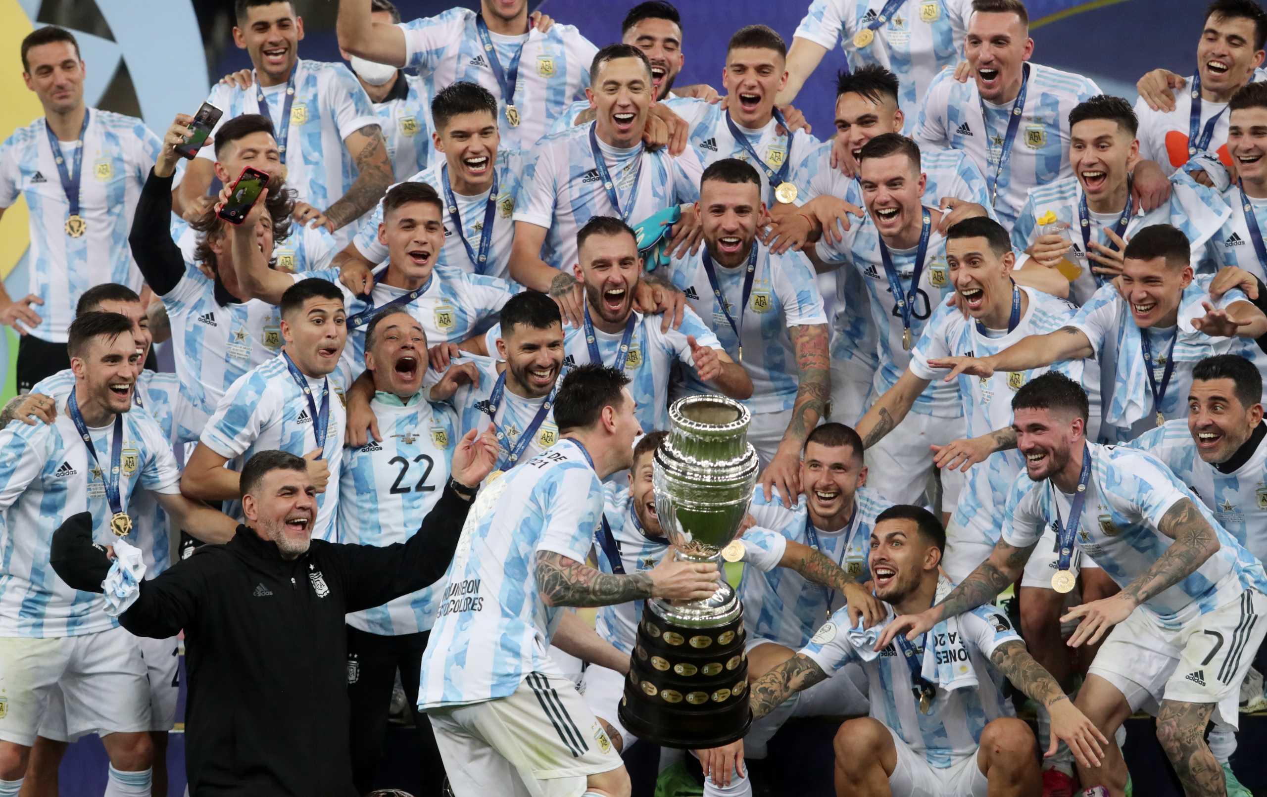 Αργεντινή: Το Copa America στα χέρια του Μέσι – Η στιγμή της απονομής