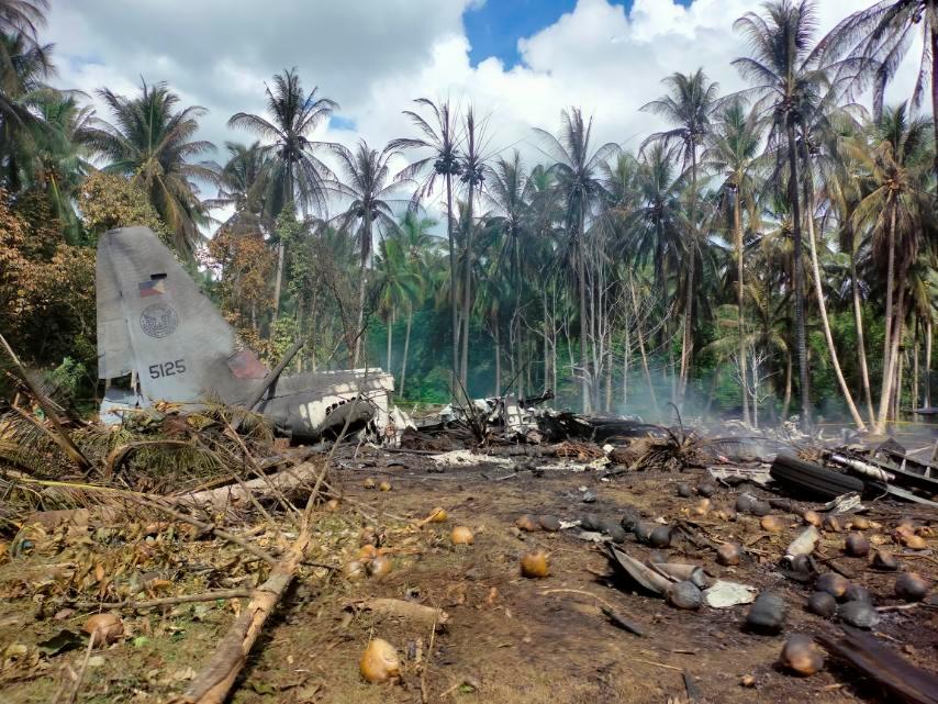 Φιλιππίνες: Στους 45 οι νεκροί από τη συντριβή του στρατιωτικού αεροπλάνου