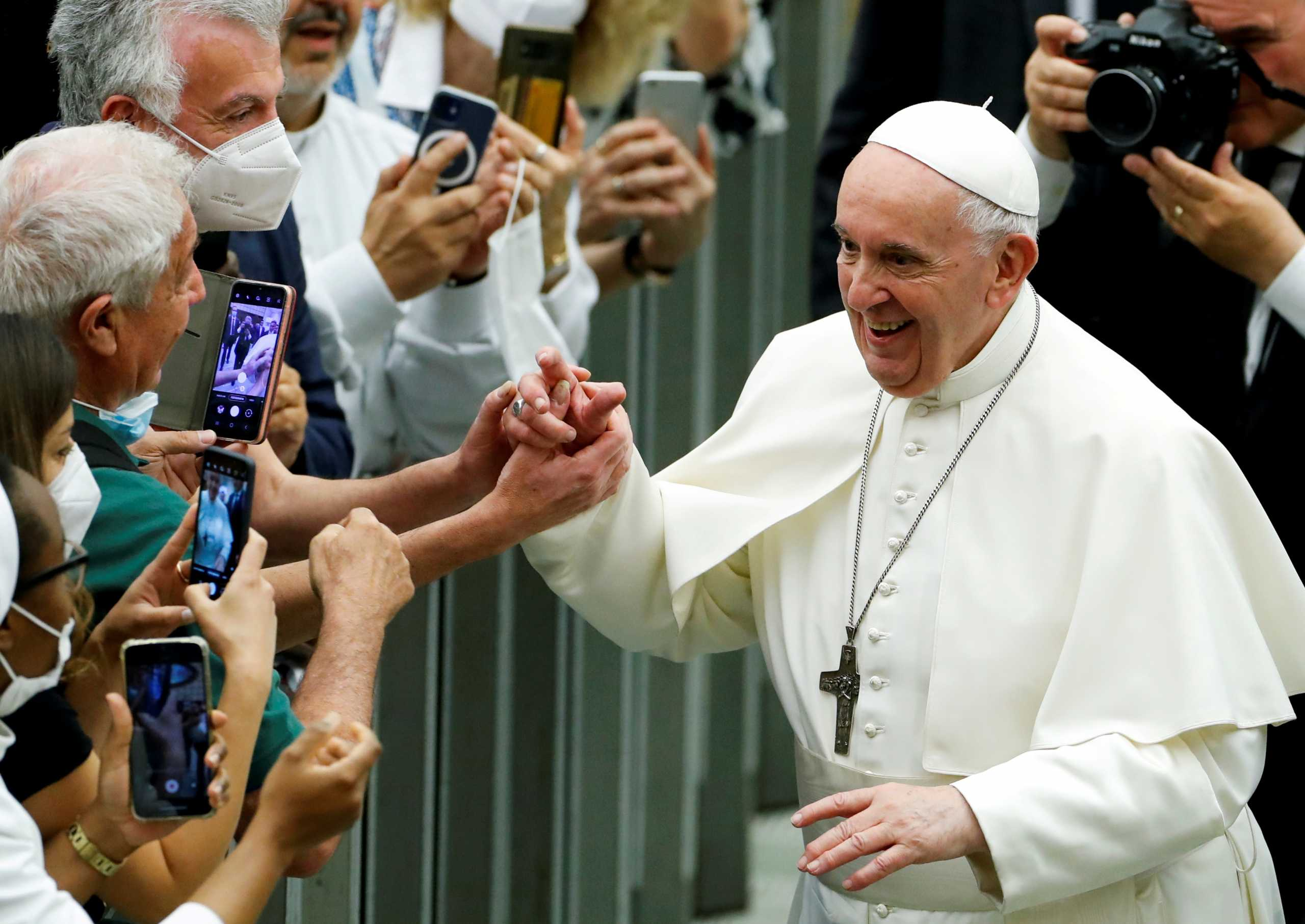 Στο νοσοκομείο ο πάπας Φραγκίσκος