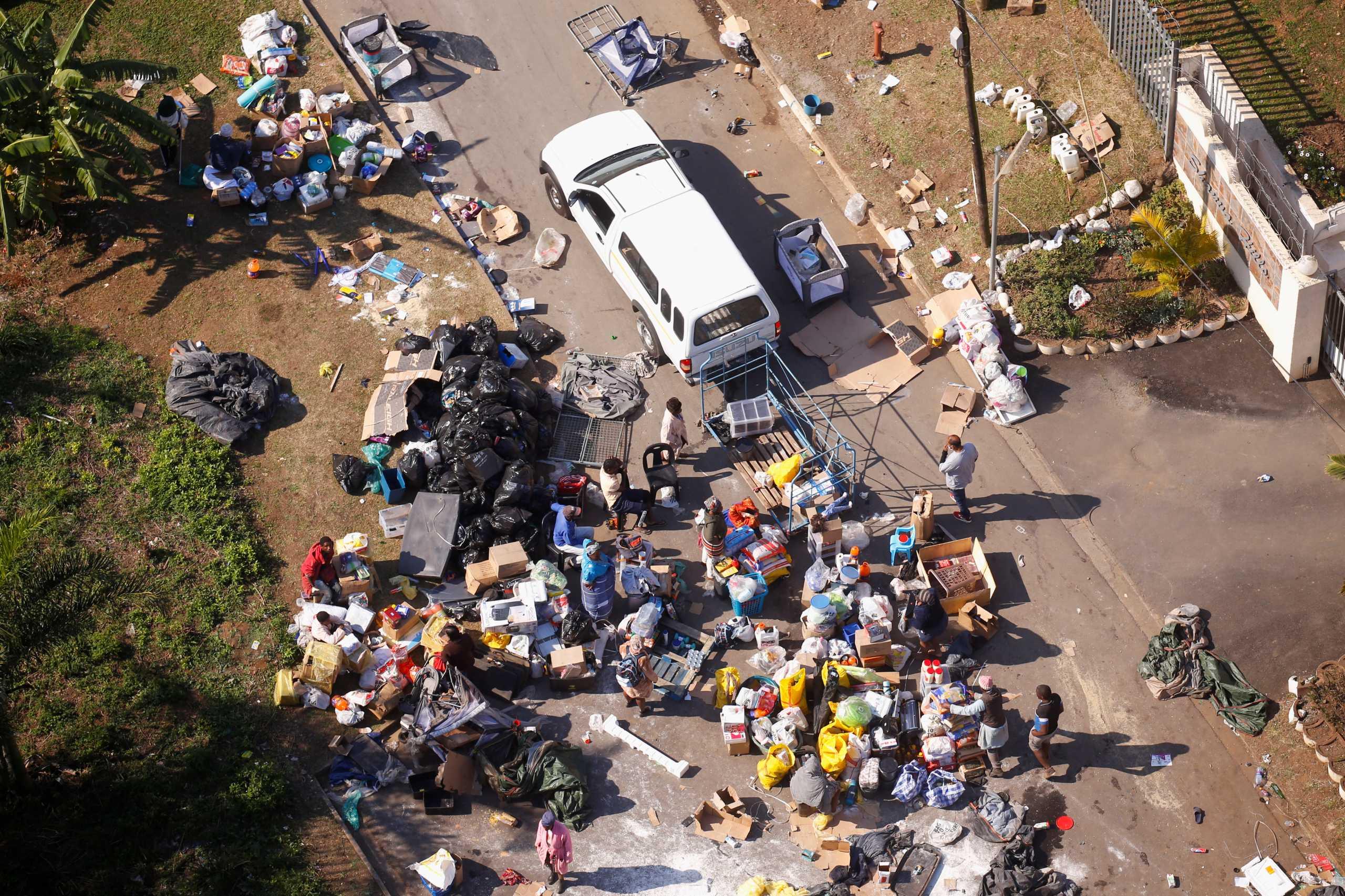 Νότια Αφρική: 212 οι νεκροί από τα βίαια επεισόδια