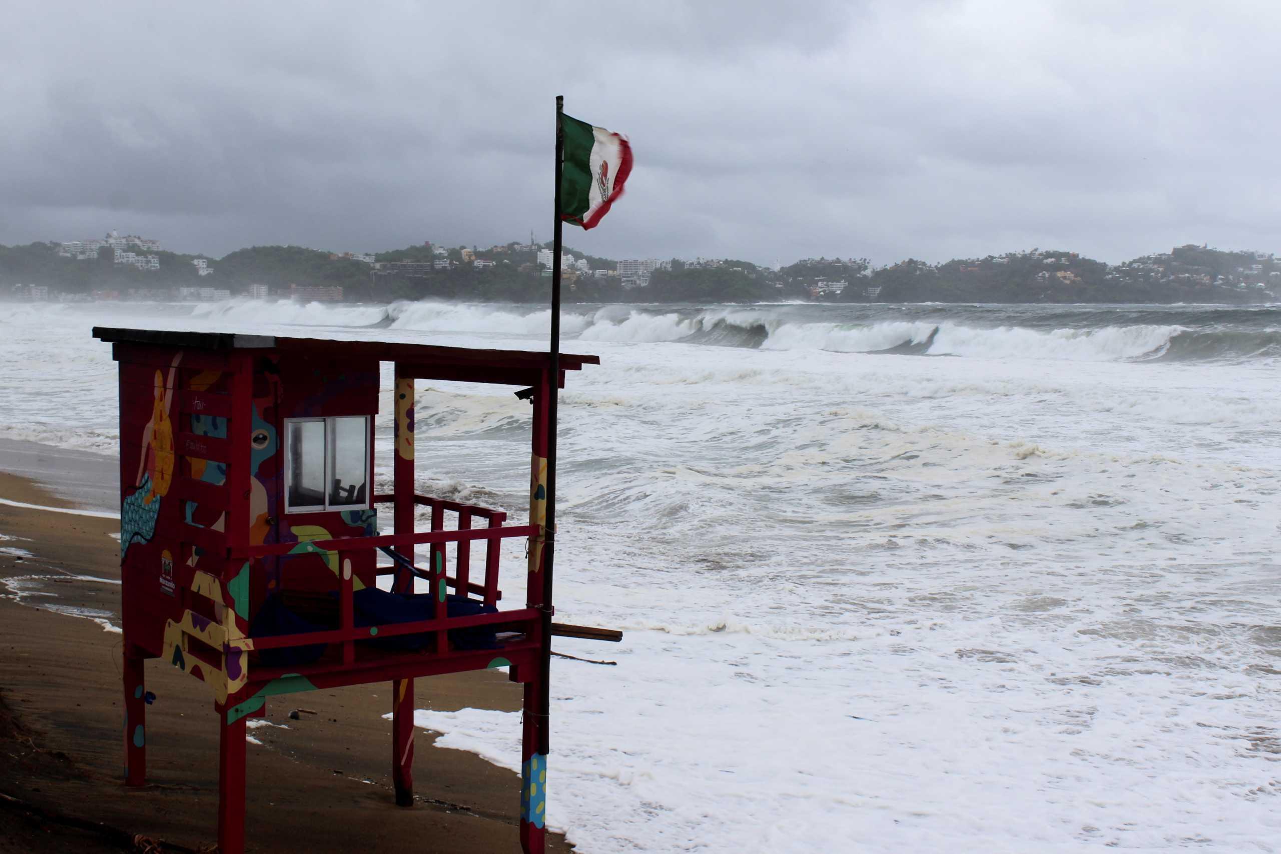 Καραϊβική: Κυκλώνας απειλεί τα νησιά – Πρόβλεψη για ριπές ανέμου με ταχύτητα 140 χιλιομέτρων